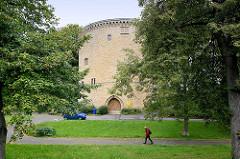 Zwinger in Goslar - Batterieturm, Bestandteil der alten Befestigungsanlage; Mauerstärke im unteren Bereich ca. 6,5 Meter.