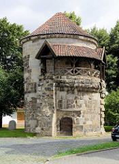 Historischer Wassertorturm - erbaut 1444; Teil der Stadtmauer Halberstadts.