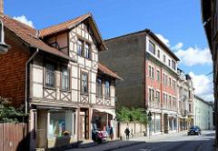 Wohnhäuser - Geschäftshäuser in Blankenburg; Fachwerkarchitektur und Gründerzeitgebäude.