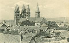 Historische Luftaufnahme der Liebfrauenkirche in Halberstadt; Ursprungsbau ab 1089.