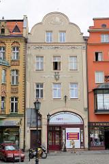 Historische Wohnhäuser - Geschäftshäuser in der Altstadt von Świdnica / Schweidnitz.
