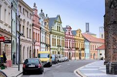 Restaurierte Wohnhäuser / Geschäftshäuser - Architektur in Hradec Králové / Königgrätz.