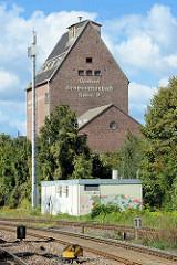 Alte Industriearchitektur - Ziegelgebäude / Backsteinspeicher; Speicher der Central Genossenschaft Halle / S beim ehem. Güterbahnhof von Aschersleben.