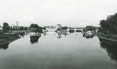 Altes Bild vom Wasserkraftwerk in Nymburk / Neuenburg an der Elbe; Industriearchitektur - Baustil Jugendstil / Art Nouveau.