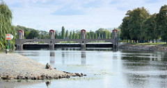 Industriearchitektur - Jugendstil / Art Nouveau Wasserkraftwerk an der Elbe in  Nymburk / Neuenburg.