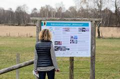 Informationstafel Naturschutzgebiet Wittmoor in Hamburg Duvenstedt.