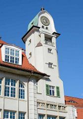 Uhrenturm - historische Industriearchitektur in Aschersleben - Bestehornpark, erbaut 1911 / Architekt Hans Heckner.