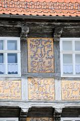 Detail, Fachwerkkonstruktion - mit Akanthus Ornament / Malerei. Wohn- und Wirtschaftsräume der Äbtissinnen vom Quedlinburger Damenstift - Renaissanceschloss aus dem 16. / 17. Jahrhundert