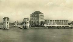 Historische Aufnahme vom Wasserkraftwerk in Nymburk / Neuenburg an der Elbe; Industriearchitektur - Baustil Jugendstil / Art Nouveau.