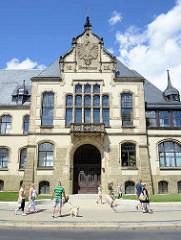 Kreishaus von Quedlinburg - erbaut 1902, Architektur des Historismus - Baustile der Gotik und Renaissance.