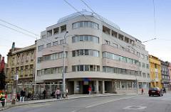 Architektur der 1920er Jahre - Wohnhaus / Geschäftshaus in Hradec Králové / Königgrätz.