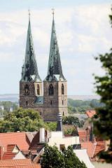 Kirchtürme der Pfarrkirche St. Nikolai in Quedlinburg - erstmalige Erwähnung 1222, Westbau frühgotisch - Rest spätgotisch.