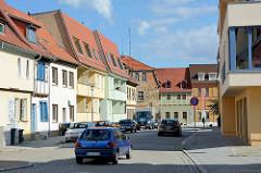 Fotos aus Aschersleben; neu + alt - Neubauten und historische, renovierungsbedürftige Bausubstanz.