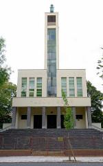 Hussitische Kirche in Nymburk / Neuenburg an der Elbe; moderner Kirchenbau, Kirchenarchitektur.