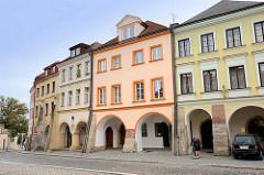 Restaurierte Wohnhäuser  - Architektur in Hradec Králové / Königgrätz.