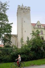 Kunzes Turm in Aschersleben - Stadtturm mit gemauerter Spitze der Befestigungsanlage.