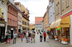 Fussgängerzone / Geschäftsstraße mit Einzelhandel in Aschersleben.