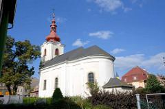 Kirche der Erhebung des Heiligen Kreuzes in Dvůr Králové nad Labem / Königinhof an der Elbe; Kreuzkirche errichtet 1752.
