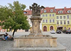 Brunnen mit Skulptur Hl. Johannes von Nepomuk in Hradec Králové / Königgrätz.