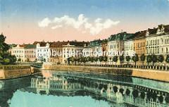 Historische Aufnahme aus Hradec Králové / Königgrätz; mehrstöckige Gründerzeitgebäude - Allebäume am Fluss.
