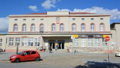 Gebäude, Empfangshalle vom Bahnhof Aschersleben.