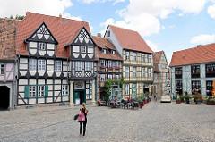 Schlossberg in Quedlinburg - Fachwerkgebäude; lks. das Geburtshaus von Friedrich Gottlieb Klopstock (1724 - 1803), erbaut um 1560.