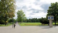 Eingezäunte Parkanlage / Grünanlage - Herrenbreite in Aschersleben, ehem. Exerzierplatz vom Kavallerieregiment der Stadt
