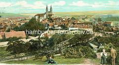 Historische, colorierte Aufnahme aus Quedlinburg - Blick über den Münzenberg zum Schloßberg mit der  romanische Stiftskirche St. Servatius, geweiht 1129; Renaissanceschloss.