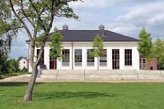 Gebäude vom ehem. Wasserwerk in Hamburg Wilhelmsburg beim Inselpark - umgebaut zum Restaurant, gastronomische Nutzung - z. Zt. geschlossen.