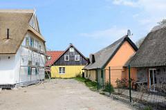 Reetgedeckte Ferienhäuser - Neubau eines Reetdachhauses in Ahrenshoop.