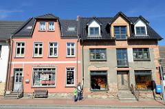 Wohn- und Geschäftshaus in der Stralsunder Straße im Ortsteil Damgarten in Ribnitz-Damgarten.