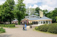 Restaurant Leuchtturm - Fischlokal am Aussenmühlendamm / Außenmühlenteich in Hamburg Harburg.