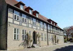 Stiftshaus vom  Sankt Klaren Kloster / Klarissenkloster Ribnitz; nach der Reformationwar die Anlage bis ins 20. Jahrhundert ein evangelisches Damenstift in der Stadt Ribnitz - jetzt Ribnitz-Damgarten.