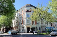 Gründerzeitgebäude, Wohnhaus mit Geschäften im Erdgeschoss; Architektur in Hamburg Wilhelmsburg, Thielenstrasse.