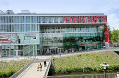 Blick über den Seevekanal zum Phoenix Center in Hamburg Harburg.