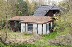 Ferienhaus im Garten, Schuppen mit Anbau - Wohnaus mit Dachausbau,  Zingst, Mecklenburg-Vorpommern.