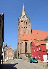 Sankt Marien Kirche in Barth; Backsteingotik im 13. Jahrhundert erbaut - frühgotische Hallenkirche.