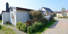 Ferienhaus / Wochendendhaus in Zingst, Mecklenburg Vorpommer; alter Bus als Ausweichquartier, Ferienunterkunft.