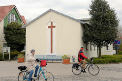 Gebäude der Katholischen Kirche von Zingst in der Strandstraße.