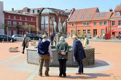 Marktbrunnen am Marktplatz der Stadt Barth - Wasserspeier Fische / Entwurf Bauhausschüler Wilhelm Löber, errichtet 1958.
