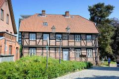 Fachwerkgebäude / Nebengebäude auf dem Schlossberg von Lauenburg.