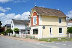 Einzelhäuser in Sülfeld - Jugendstilarchitektur / Wintergarten.