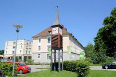 Uhrenturm - Gebäude von Pflegen & Wohnen im Hamburger Stadtteil Heimfeld.
