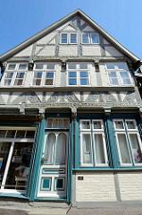 Fassade vom Jacobischen Haus, Wohn- und Geschäftshaus / Fachwerkhaus errichtet 1647 in der Elbstraße von Lauenburg.