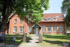 Alte Schule in Wentorf - jetzt Begegnungstätte.
