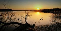 Masuren / Polen - Seenlandschaft im Sonnenuntergang.