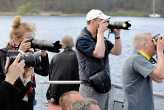 Naturfotografen suchen Objekt zum Fotografieren; Landschaftsfotografie / Naturfotografie in Masuren, Polen.