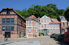 Ehem. Speicher und Bürgerhaus - historische Bebauung in der Elbstraße von Lauenburg.