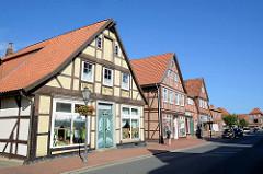Geschäftshäuser, Fachwerkgebäude in der Breiten Straße von Bleckede.