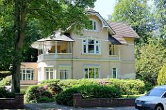 Villa im Eißendorfer Pferdeweg im Stadtteil Hamburg Heimfeld - Balkon mit Überdachung.